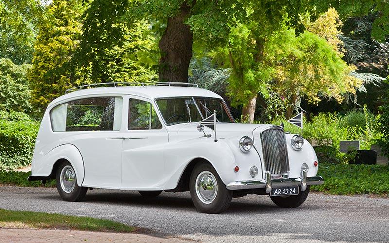 Vanden Plas Princess Rouwauto, een klassieke Engelse oldtimer uit 1962 - Straver Mobility Uitvaartvervoer