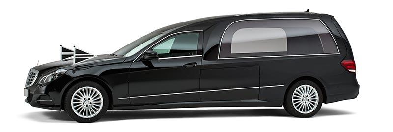 Zwarte Mercedes Rouwauto – XL Glas uitvoering - Straver Mobility Uitvaartvervoer